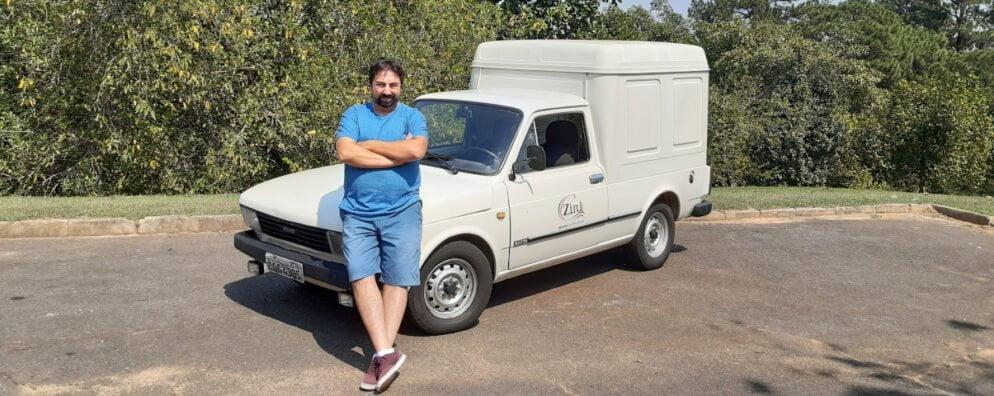 Marcelo Paolillo com seu Fiat 147 Fiorino