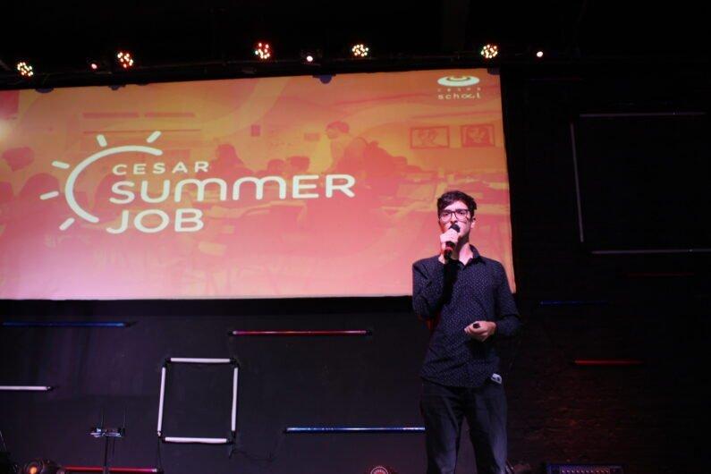 Rhuan Marcel, aluno de Engenharia Química da UFMT, apresenta pitch no CESAR Summer Job de 2020.